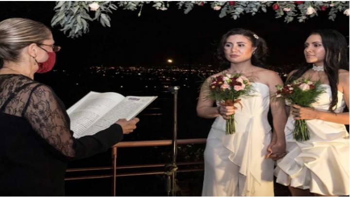 Pareja del mismo sexo contrae matrimonio legal, en Costa Rica