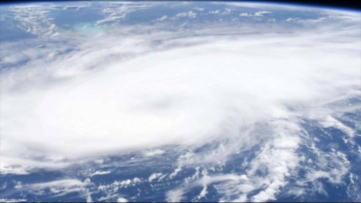 "Ya ""Laura"" pasa a tormenta tropical"