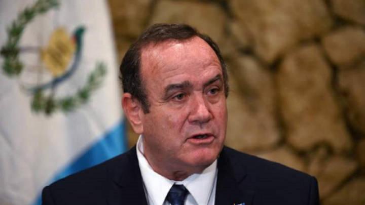 Presidente de Guatemala evoluciona bien y con deseos de volver a su cargo