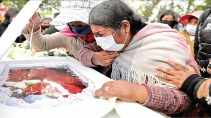 La caída de siete universitarios convocados ensombrecen a Bolivia