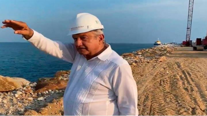 El rompeolas de Salina Cruz es controlado por López Obrador