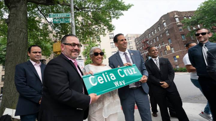 En homenaje a la cantante Cubana, la ciudad, le da una calle por su gran trayectoria