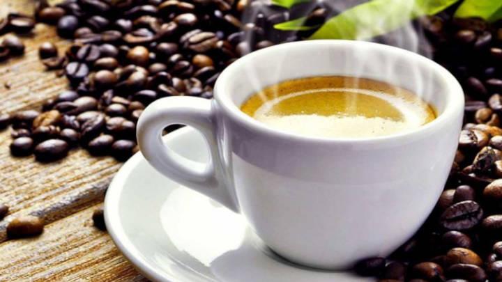 Una taza de café al día contra el Covid-19
