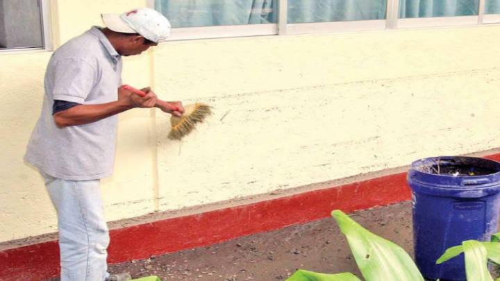 El trabajo doméstico de hombre es pagado con un diferencia superior de mil pesos al del femenino.